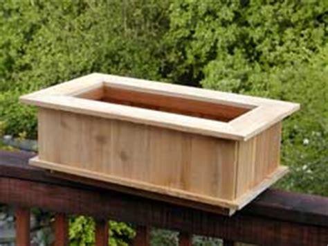 build cedar strawberry planter plans  plans