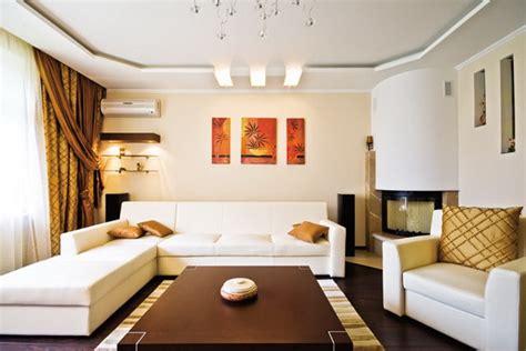 Дизайн потолка в зале Материалы, идеально подходящие для
