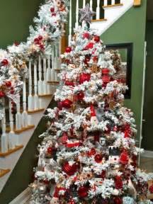 flocked christmas tree decorating ideas dress up the holidays pinterest