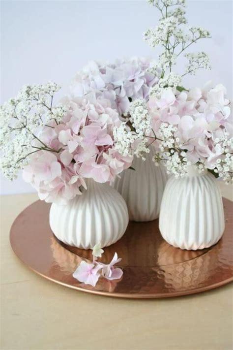 Dekoideen Für Vasen by 25 Diy Deko Ideen Zu Ostern Wei 223 E Vasen Mit Hortensien