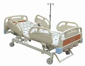 China Manual Double Crank Hospital Bed