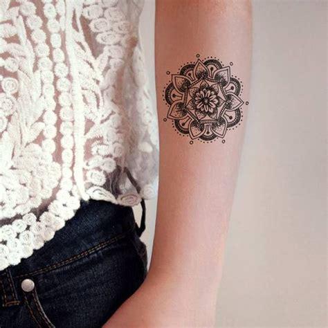 idees de tatouages mandala hommefemme signification