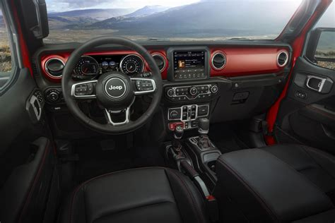 Jeep Truck 2020 Interior by 2020 Jeep 174 Gladiator Interior Peppers Automotive