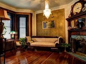Victorian Gothic interior style: Victorian style interior