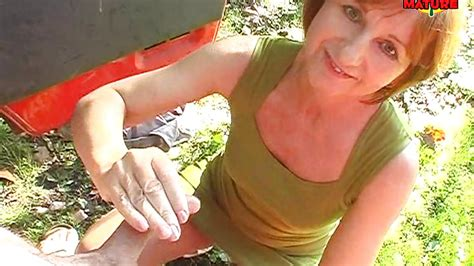 Yvonne X In Mature Slut Giving Blowjob Outdoor Hd