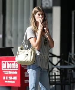 Anna Kendrick Smoking Cigarettes