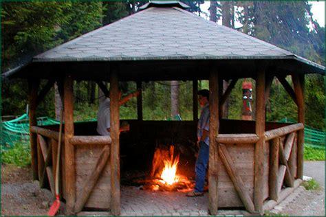 Pavillon Mit Feuerstelle by Schanzen Baude In Geyer Im Erzgebirge Aussenanlagen