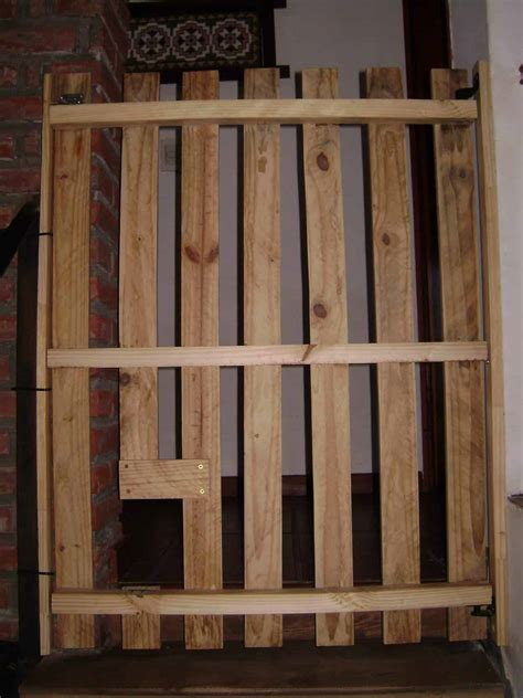 baby proof stairs safety door   pallet  pallets