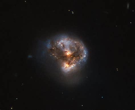 A cosmic megamaser | ESA/Hubble
