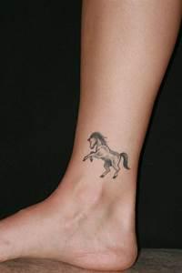 Tattoos Die Sich Ergänzen : tattoo kn chel 65 t towierungen die auf sich andeuten und eine sch ne pr senz machen ~ Frokenaadalensverden.com Haus und Dekorationen