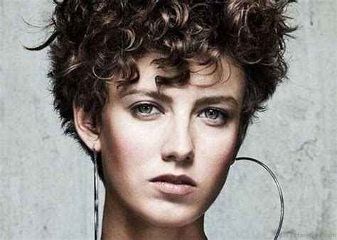 90 cool short curly hairstyles for women