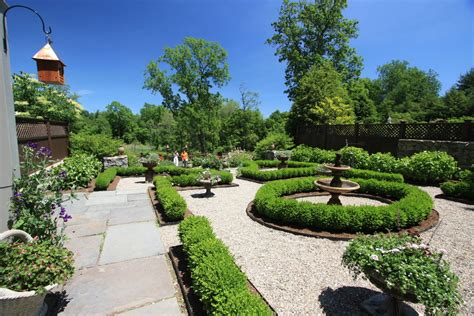 25+ Formal Garden Designs  Garden Designs  Design Trends