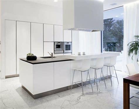 cuisine en et blanc les 25 meilleures idées concernant cuisine au marbre blanc