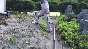 Terrasse bauen betonsteinmauer gartenbau garten youtube for Terrasse im garten bauen