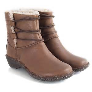 ugg womens mackie boots ugg australia authorised retailer chestnut leather caspia 39 s ankle boot