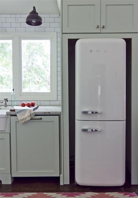 smeg refrigerator cottage kitchen benjamin moore tea