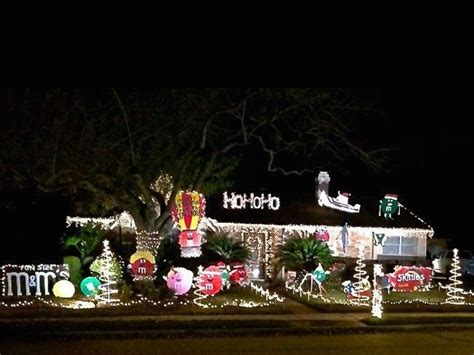 5 best houston neighborhoods for spectacular holiday light