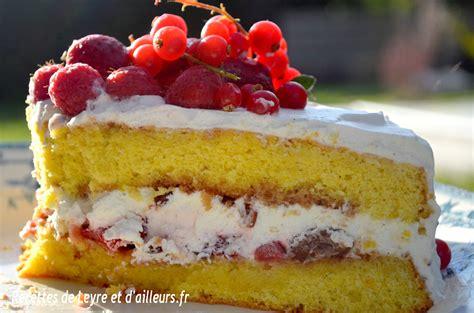 fraisier a la vanille gateau fourre aux fraises et a la chantilly recettes de leyre et d ailleurs