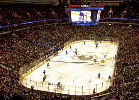 rogers arena vancouver canucks hotels  rogers