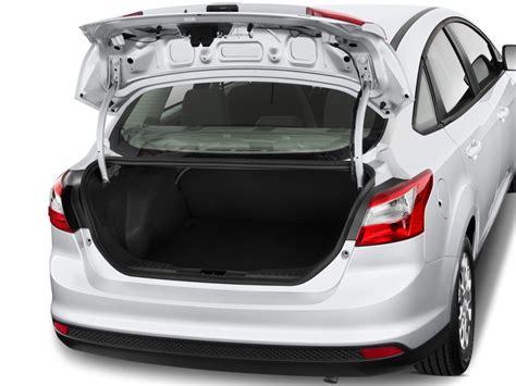 image  ford focus  door sedan se trunk size