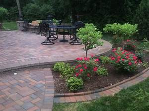 Patios with seatwalls - Traditional - Patio - Detroit - by