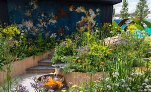 Dutch garden featuring dye plants wins prize at chelsea for Royal dutch gardens