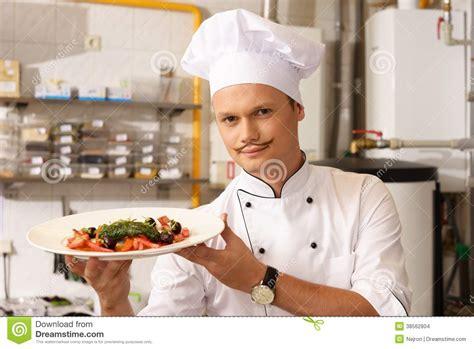 cuisine cr駮le chef sur la cuisine dans le restaurant images stock image 38562804