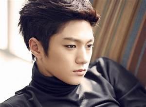 Airplane Wednesdays: New Face of K-pop, Kim Myung-soo / L ...