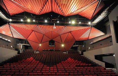salle de spectacle le tigre la salle 171 festivalcorazonlatino