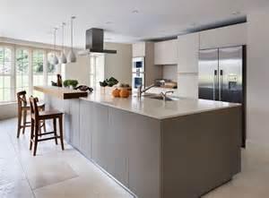 kitchen island with breakfast bar designs 17 best images about ciemne kuchnie on ceiling