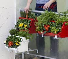 Balkonkästen Winterhart Bepflanzen : h gelbeetkasten kl re gem segl ck auf dem balkon ~ Lizthompson.info Haus und Dekorationen