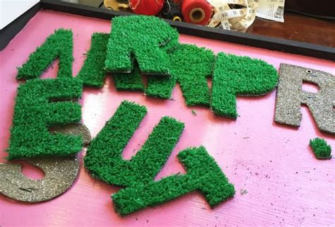 diy grass letter sign letter wall art diy letters astro turf
