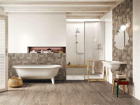 carrelage mur salle de bain aspect bois