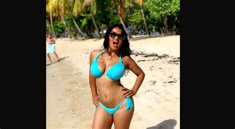Salma Hayek La Estrella Mexicana Que Disfruta Haberse