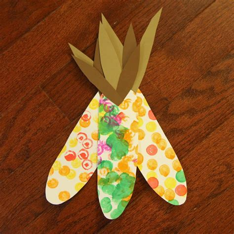 toddler approved painted corn craft for toddlers 620 | toddler%2Bcorn%2Bcraft
