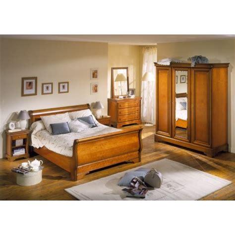 chambre à coucher merisier déco chambre meuble merisier exemples d 39 aménagements