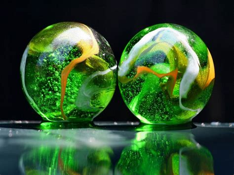 wallpapers glass balls desktop backgrounds
