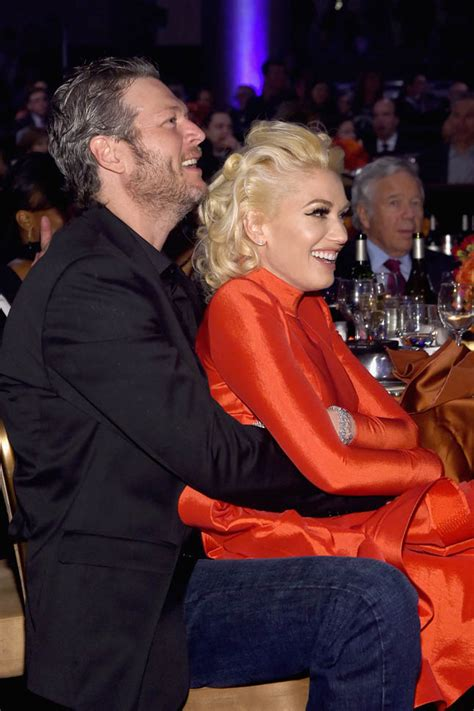 blake shelton gwen stefani song gwen stefani and blake shelton close and affectionate at