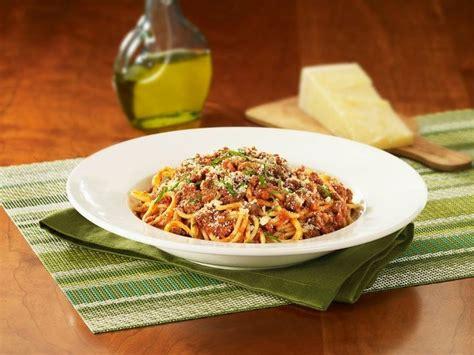 spaghetti bolognese at california pizza kitchen at anaheim