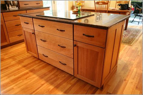 honey oak kitchen cabinets with granite countertops oak cabinets granite countertops honey oak kitchen