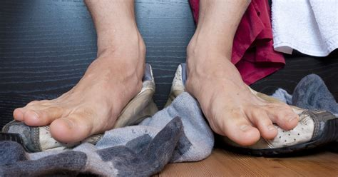A Surefire Way To Get Rid Of Stinky Feet Fast Huffpost