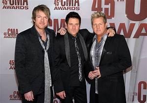 PHOTOS: CMA Awards Red Carpet Arrivals | Sounds Like Nashville