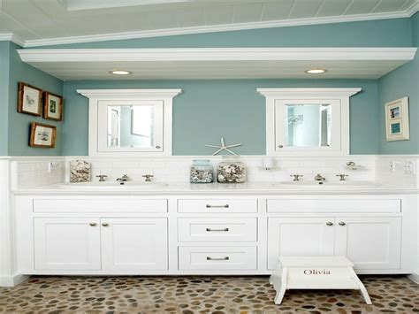 Green Glass Bath Accessories, Beach Themed Bathroom Ideas
