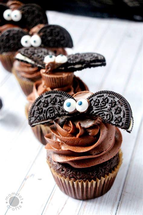 bat cupcakes   oreos diy