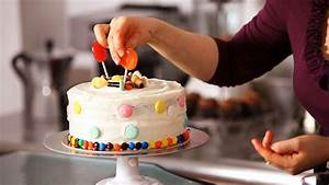 How to Decorate a Cake with Candy Cake Decorating - YouTube