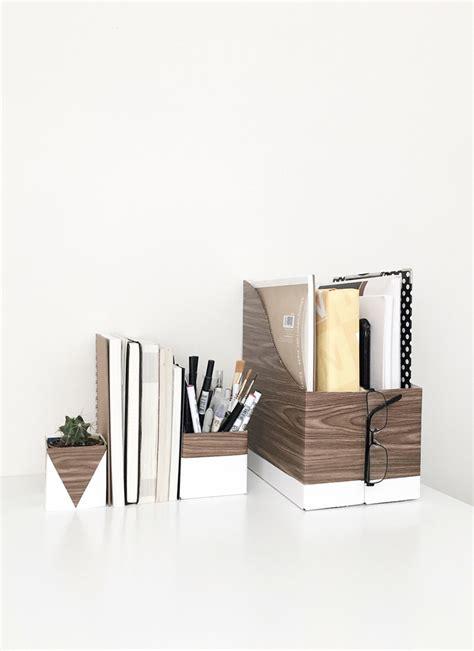 White Wood Desk Organizer by 25 Clever Diy Organization Ideas