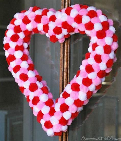 diy lovely heart shaped valentines wreath ideas