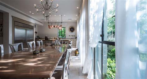 cuisine de charme cuisine de charme cuisine provenale cuisine de charme avec une note provenale portes traverses