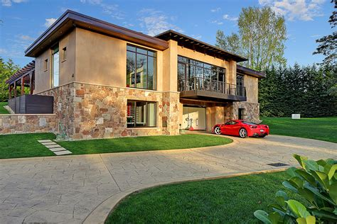 2bedroom House In Washington Centered Around A 16car