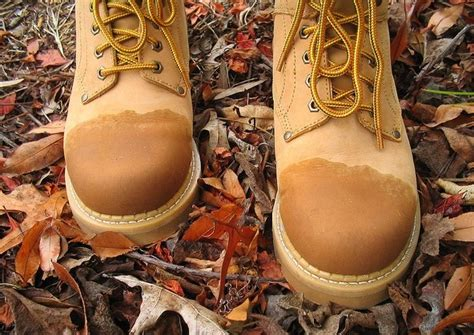 How To Waterproof Boots  3 Methods With Stepbystep Rundown